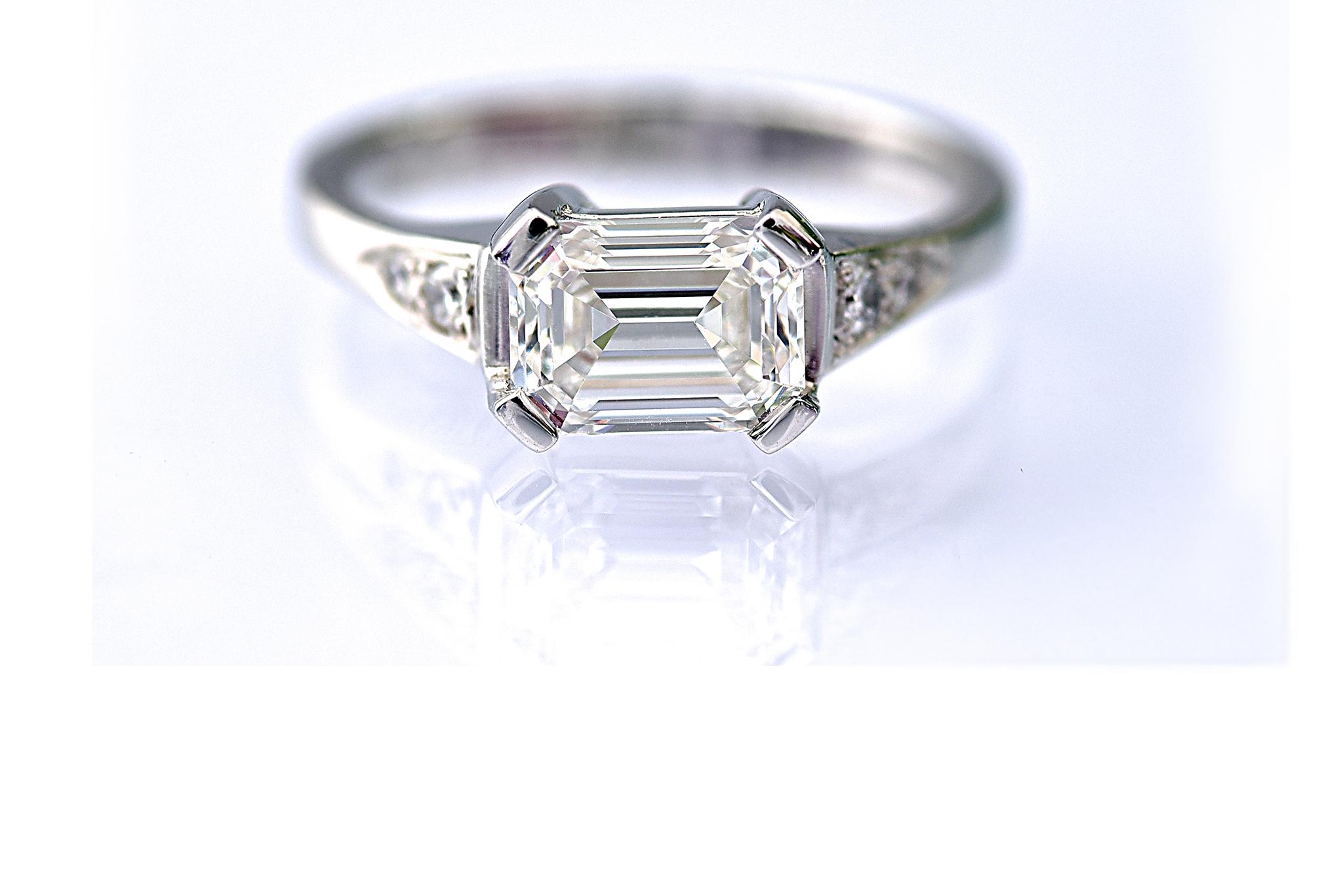 slide2-engagment-rings-large-1